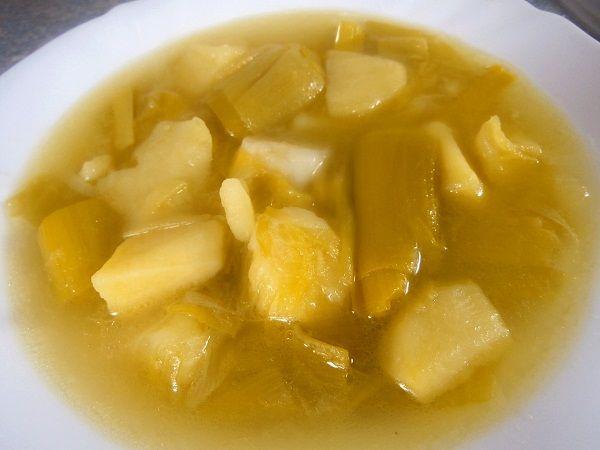 La porrusalda es un plato perteneciente a la Gastronomía vasca. No es más que un estofado de patatas y puerro
