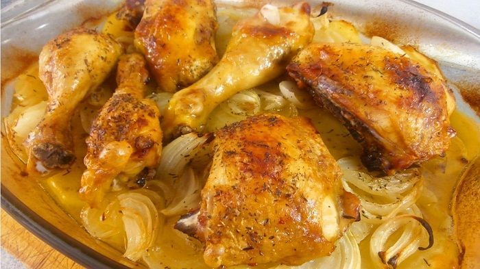 Pollo al horno con patatas recetas de cocina cientos de - Como cocinar pollo al horno ...