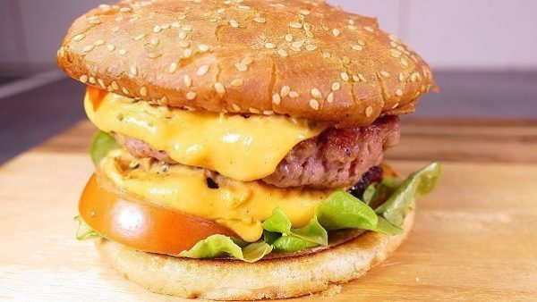 HAMBURGUESA DOBLE CON QUESO