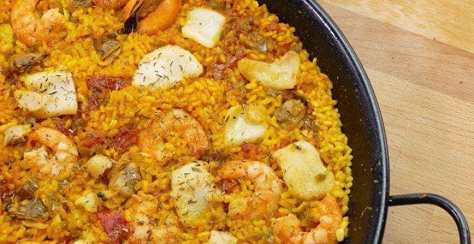 Arroz al senyoret o al señorito es una receta de arroz con marisco donde, todos los ingredientes están listos para ser consumidos. Es decir, que ya están pelados y sin espinas
