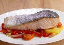 salmon al horno con verduras. Receta llena de Omega 3, muy saludable y que se hacer de forma muy facil y rapida