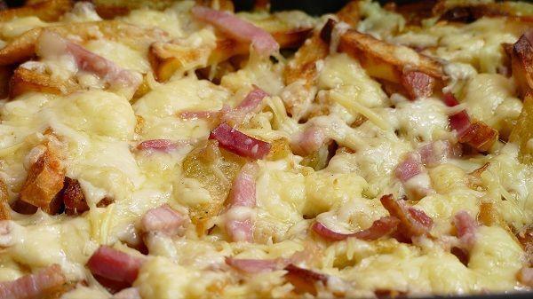 Patatas al horno con queso y jamon