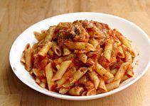 macarrones con tomate y atun. Recetas faciles y rapidas de hacer