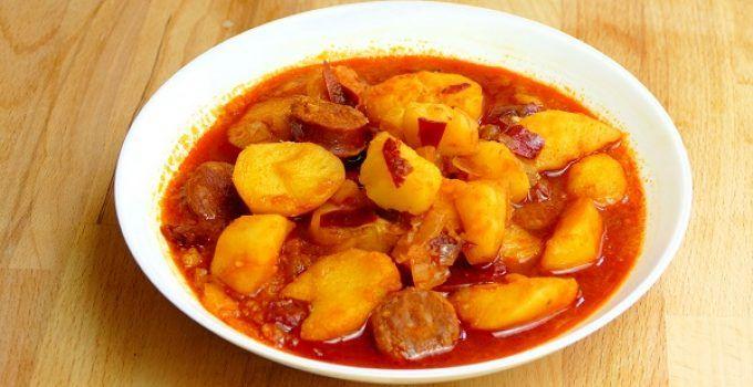 Patatas con chorizo. Una receta tipica riojana