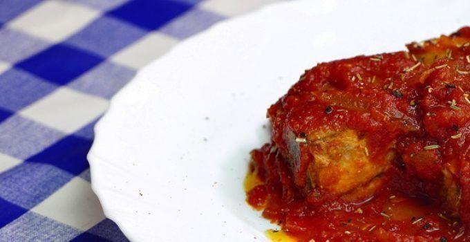 Atun con tomate. Receta dela abuela. Un plato de esos de los de toda la vida que no puede faltar en tu recetario