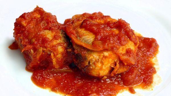 Bonito con tomate jugoso
