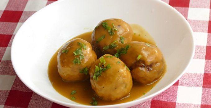 Albondigas de calabacin. Receta vegetariana y una estupenda idea para implementar más platos de verduras en tu dieta