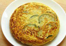 Tortilla de calabacin receta facil con cebolla