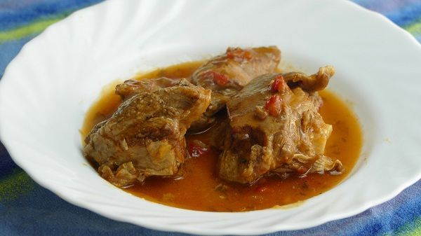 Cordero guisado receta tradicional