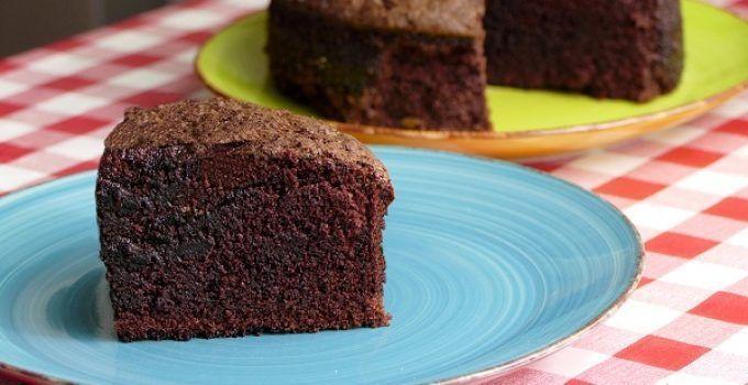 bizcocho de chocolate jugoso y esponjoso. Una delicia de receta de repostería