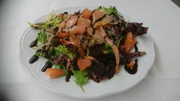 ensalada de salmon ahumado