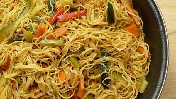Noodles de arroz con verduras