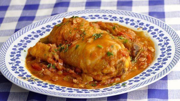 Pollo al chilindron guisado