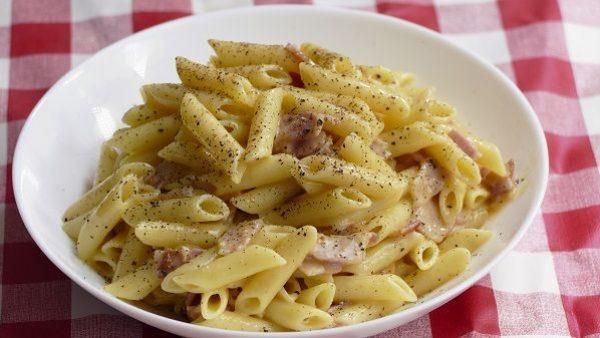 MACARRONES CARBONARA receta original