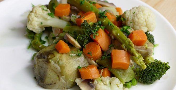 Menestra de verduras. receta facil para comer un plato de verduras en casa