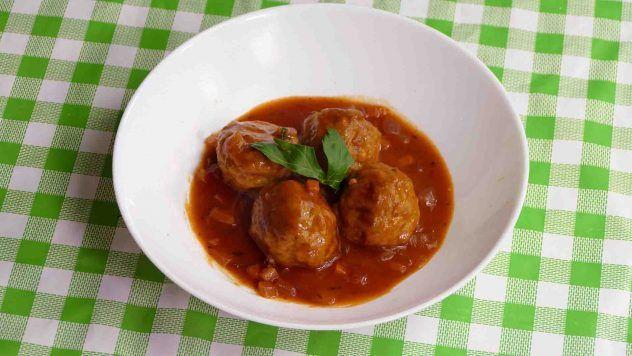 Casa y Jardín- -Gastronomia Albondigas-al-horno-en-salsa-de-tomate-632x356