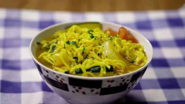 SOPA DE FIDEOS CHINOS receta