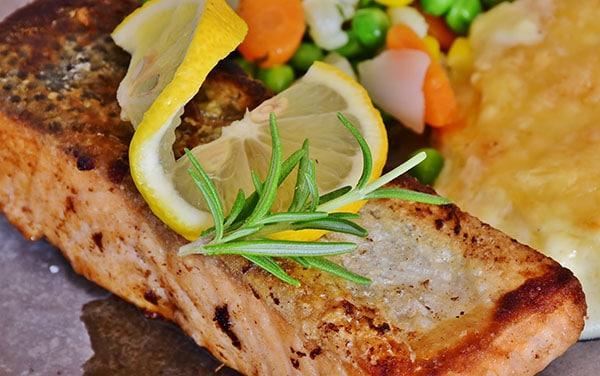 Recetas de pescado para Navidad. Una selección de recetas de pescado y marisco perfectas para elaborar tu menu especial de Navidad.